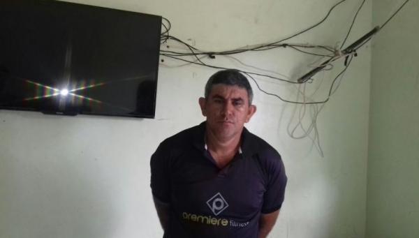 Homem foragido por homicídio na zona Rural de Teresina é preso pela PM