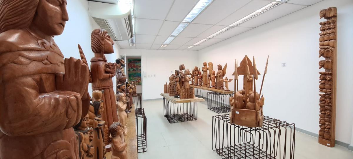 Nossa primeira exposição de Arte Santeira! Montmartre abre a mostra Escultores Iluminados