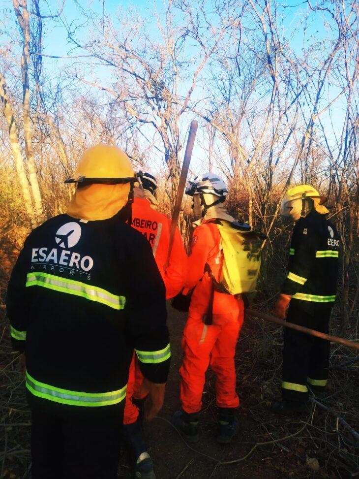 Equipe da Esaero auxilia bombeiros no combate aos incêndios no sul do estado