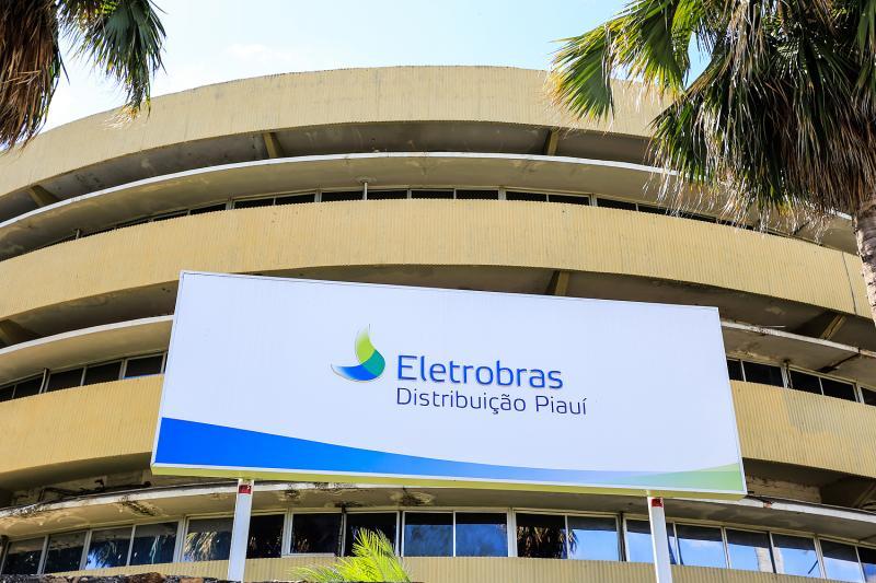 Eletrobrás é condenada a indenizar vítima de descarga elétrica