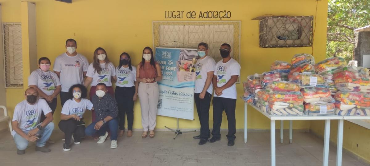 """Associação """"Esperança e Vida"""" e """"Nos Braços do Pai"""" recebem doação de alimentos do CRECI-PI"""