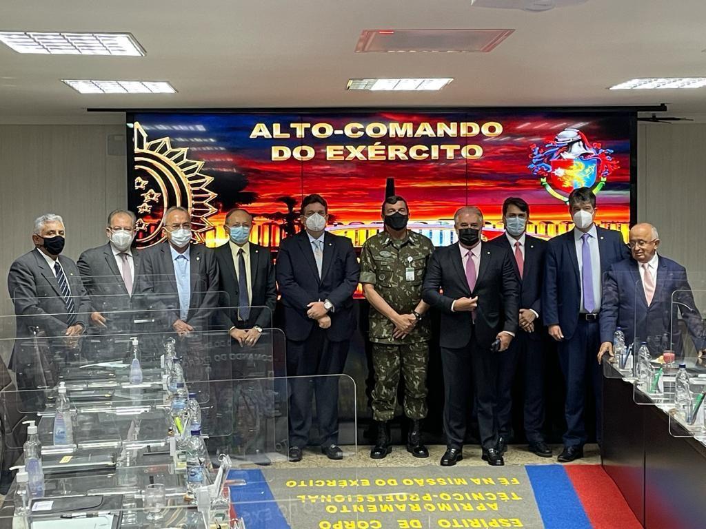Deputado Átila Lira se reúne com Alto Comando do Exército