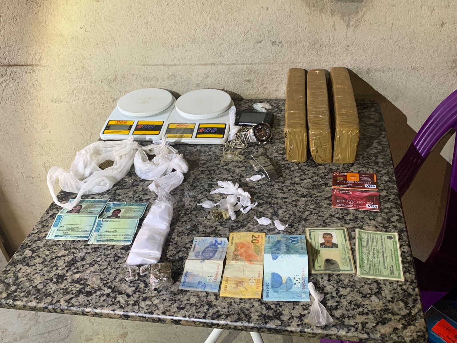 Polícia deflagra operação e cumpre mandados contra foragidos da Justiça no Piauí