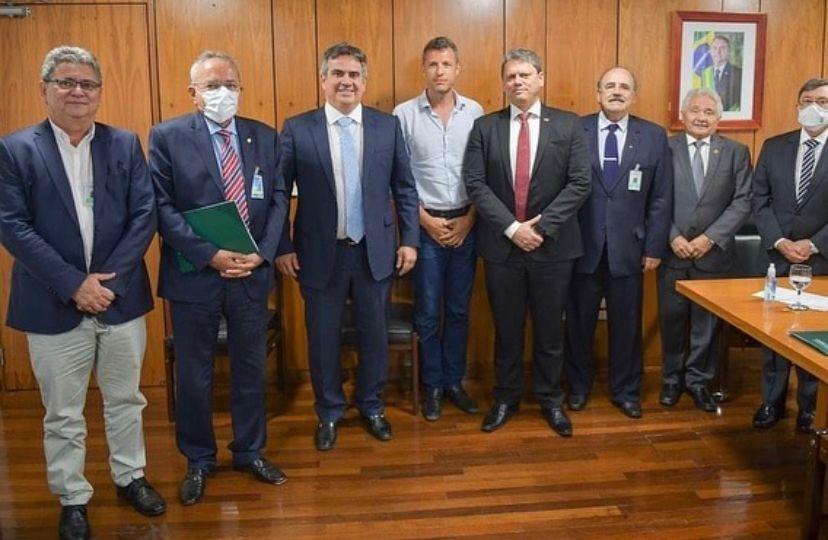 Deputado Átila Lira participa de reunião com ministro-chefe da Casa Civil