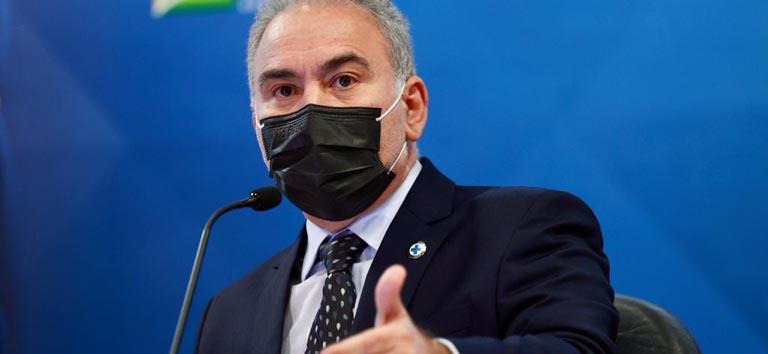 Ministro Queiroga é diagnosticado com covid e ficará de quarentena em Nova York