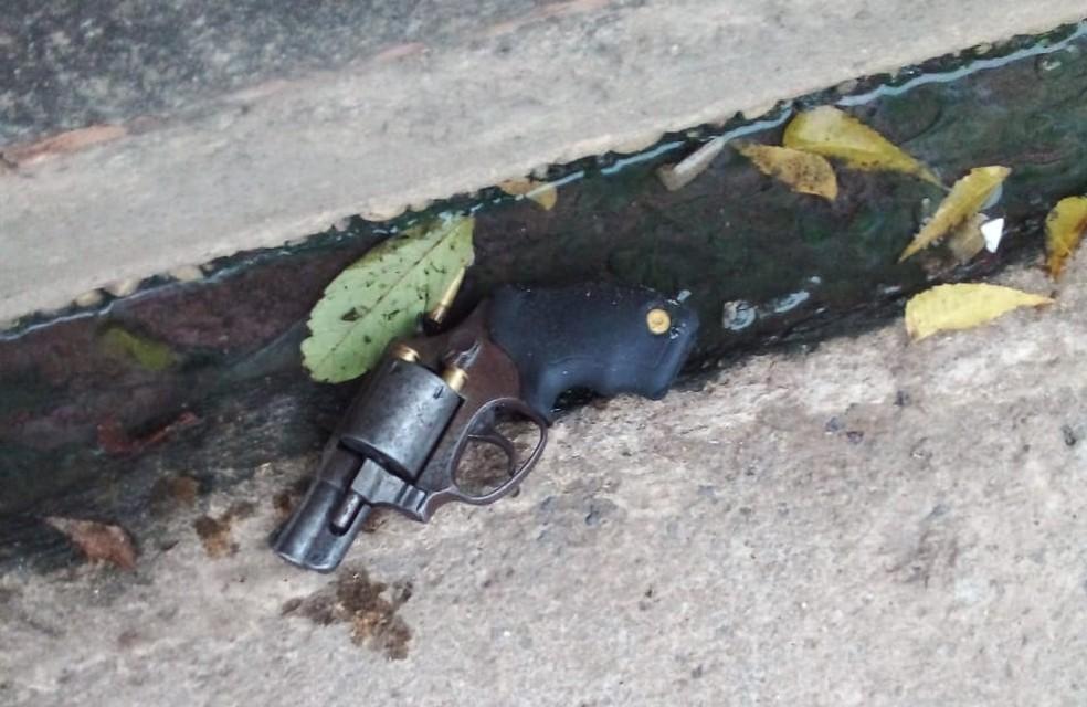 Suspeito de assalto é morto com tiro no peito por policial na zona Sudeste de Teresina