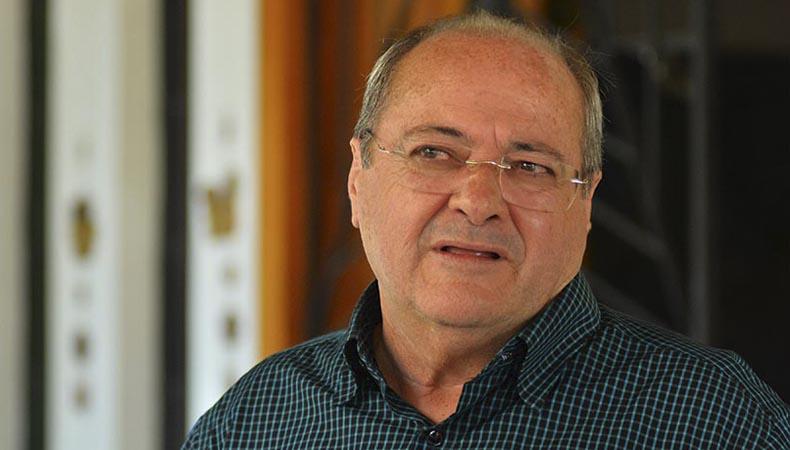 FMS 'perde' equipes de PSF e vereador pede explicações ao secretário Silvio Mendes