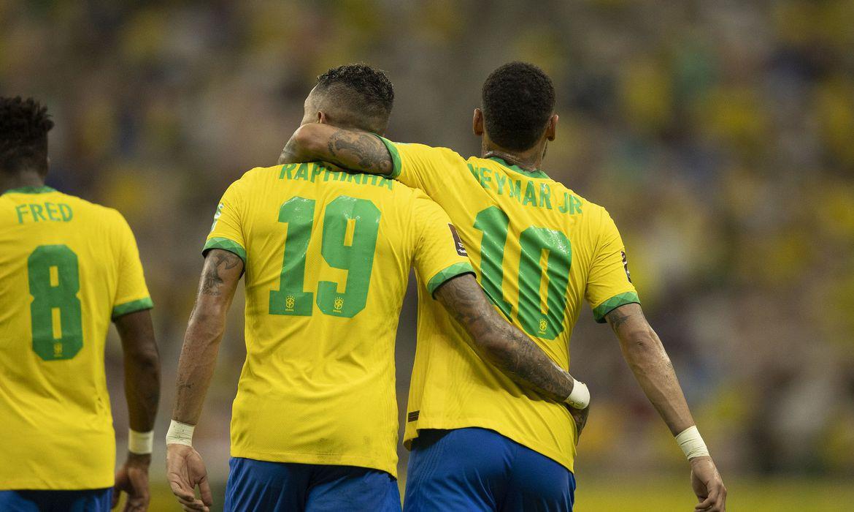Com brilho de Neymar e Raphinha, Brasil goleia Uruguai nas Eliminatórias