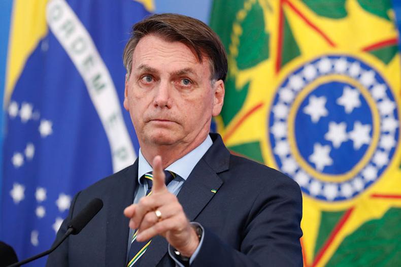 Bolsonaro chama Renan de 'bandido' e crítica relatório de CPI