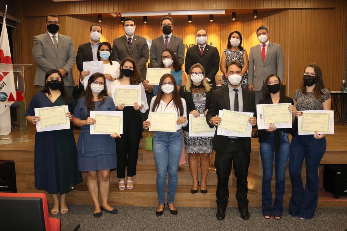 OAB e ESA-PI realizam solenidade de entrega dos certificados das Pós-Graduações Gratuitas