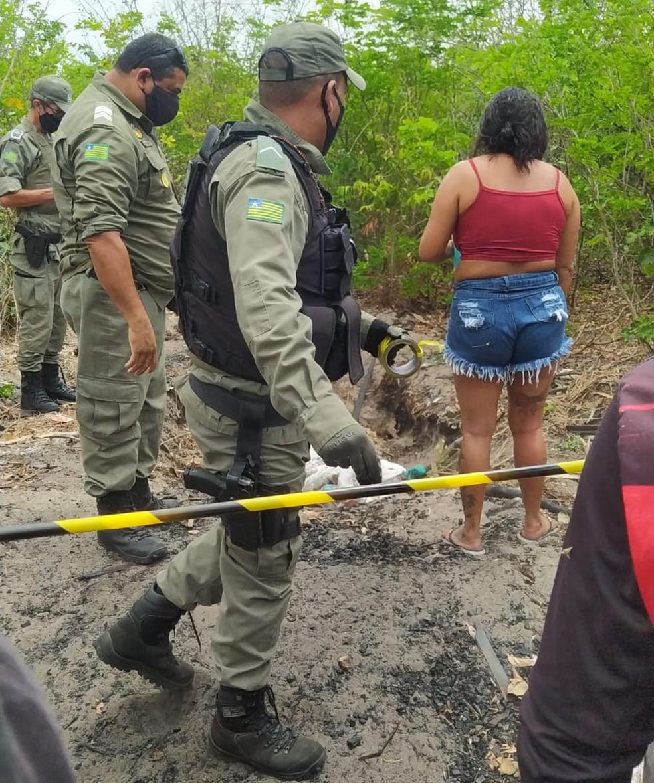 Mulher é encontrada morta com e mãos amarradas dentro de buraco em Parnaíba