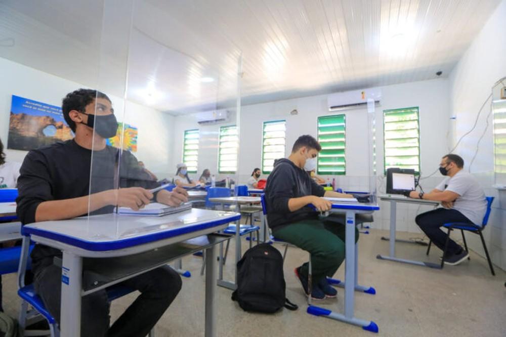 Turmas de 5º e de 9º anos da rede estadual de ensino iniciam aulas presenciais no Piauí