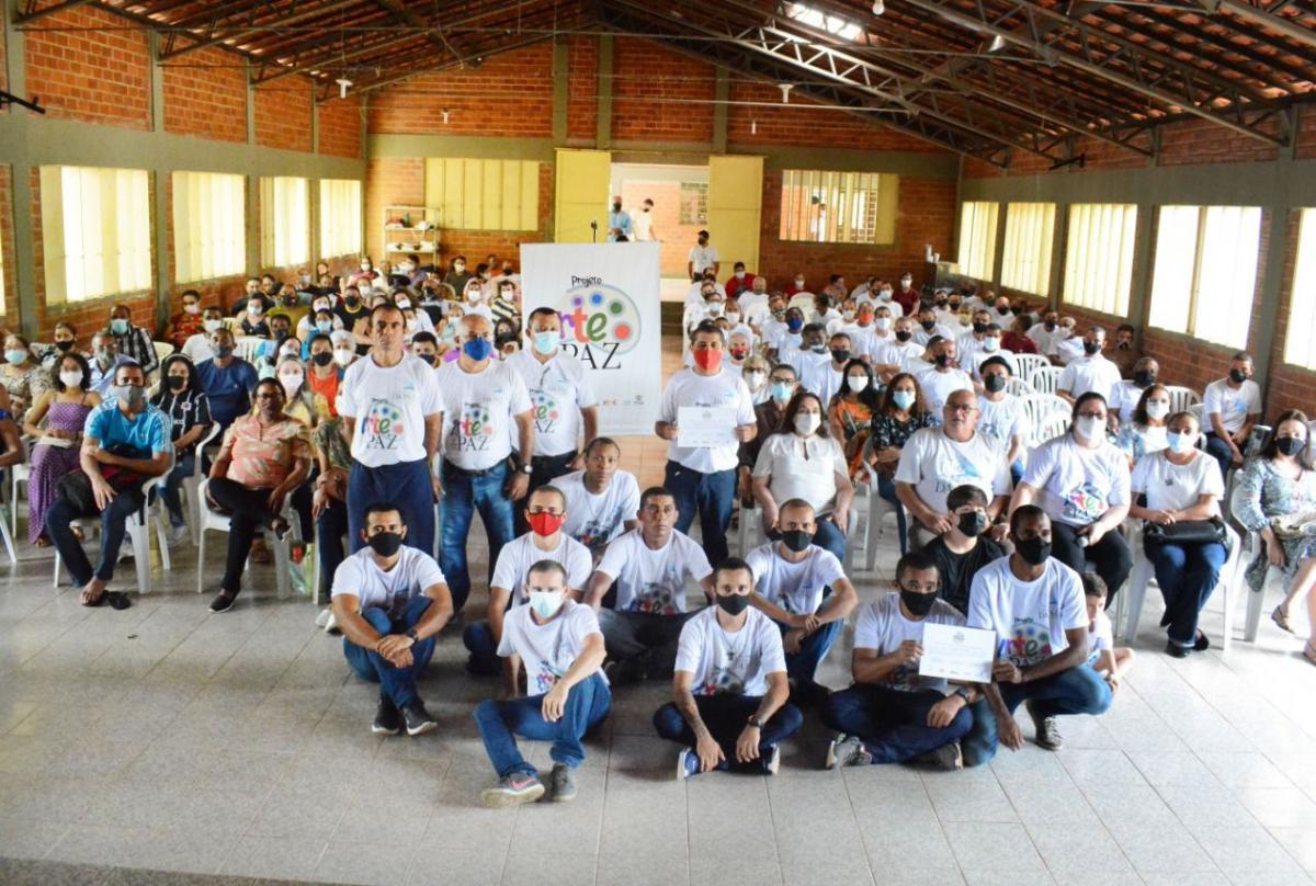 Projeto Arte & Paz qualifica 24 acolhidos da Comunidade Terapêutica Fazenda da Paz