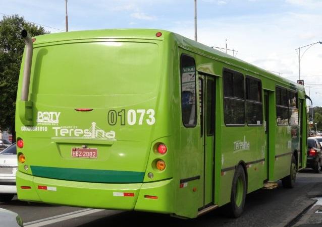 Bandidos fazem arrastão em ônibus na zona Norte de Teresina