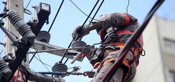 Bairros da zona Sul e Sudeste ficam sem energia até sexta em Teresina