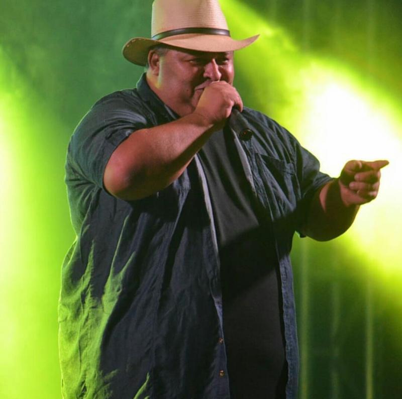 Morre aos 45 anos o cantor Cizinho, vocalista do Forró Bandido