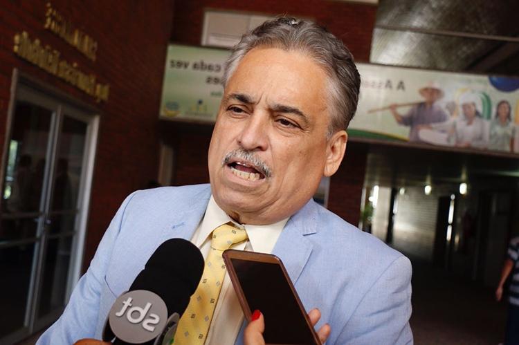 Robert Rios responde a boatos sobre retirada de candidatura: