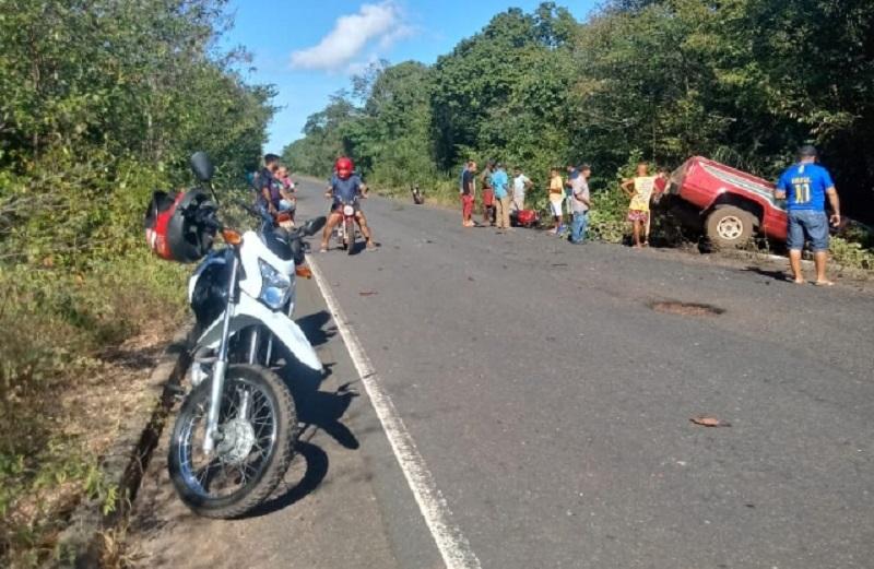 Mototaxista morre após colisão com caminhoneta na PI-113