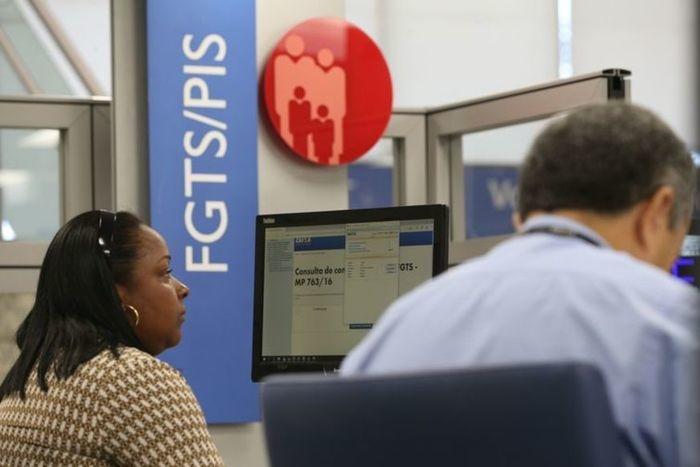 Trabalhadores de todas as idades podem realizar o saque do PIS/Pasep hoje
