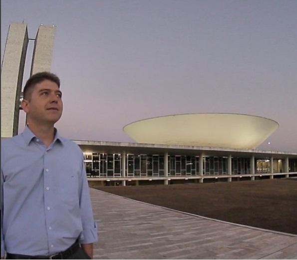 Rodrigo Martins desiste de candidatura à reeleição de deputado Federal