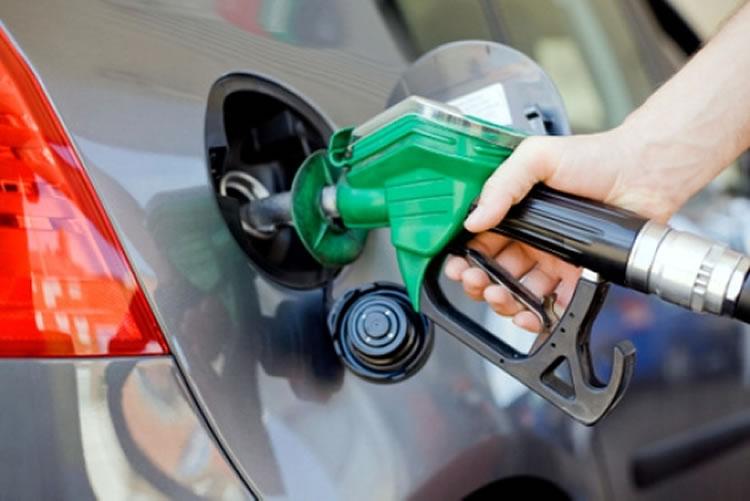 Petrobras eleva preços da gasolina em 0,90%
