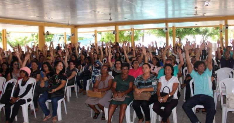 Depois de 77 dias parados, professores da rede estadual retomam período letivo