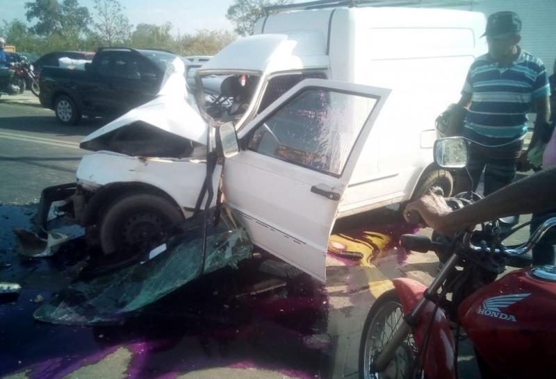 Colisão entre veículos deixa dois feridos na zona Norte de Teresina