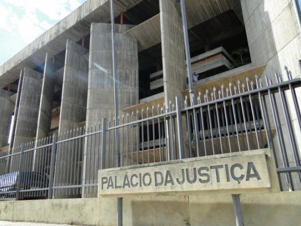 Juiz pede ajuda à deputados para agilizar processos e desafogar TJ do Piauí