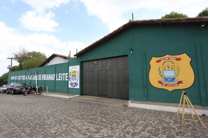 Secretaria de Justiça afasta agentes penitenciários após fuga no fim de semana
