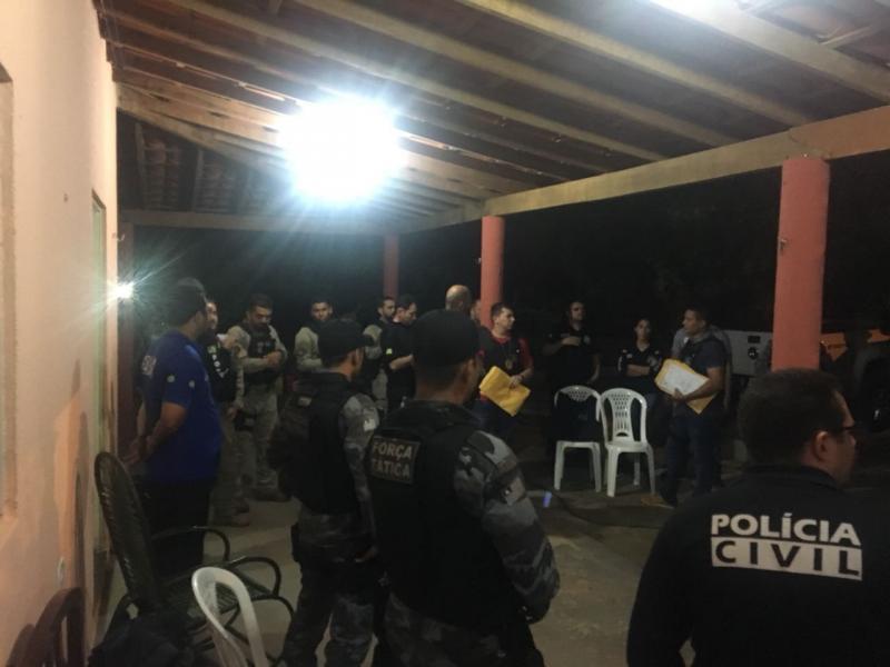 Polícia realiza operação para combater o tráfico de drogas na região de Oeiras
