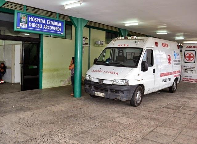 'Servidores' da Saúde cobram do Governo o pagamento de três meses de salários atrasados em Parnaíba