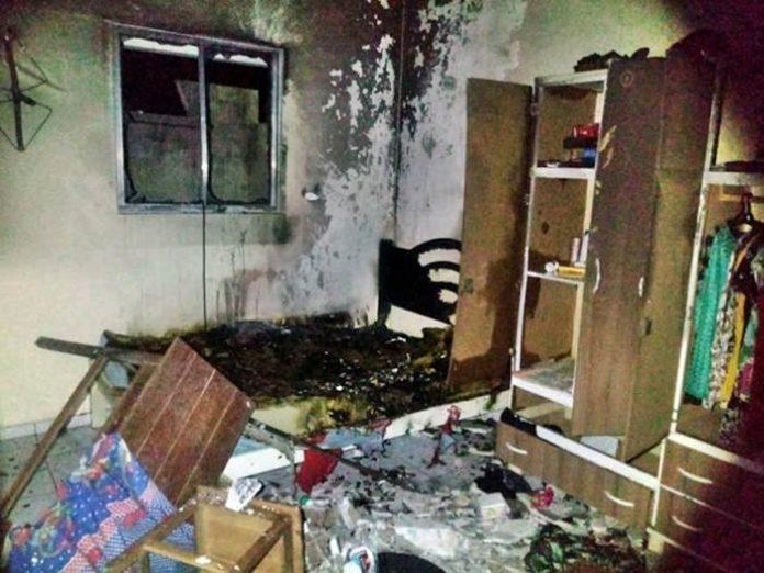 Mulher ateia fogo na própria casa após discutir com o marido