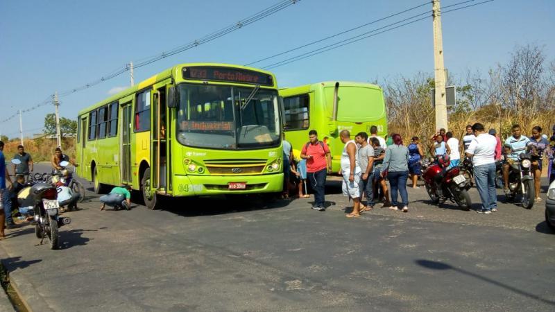 Homem morre em acidente envolvendo dois ônibus