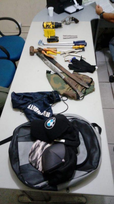 Dupla é presa por suspeita de arrombar supermercado em Teresina