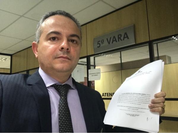 Valter Alencar entra na Justiça para Governador devolver R$ 270 milhões 'desviados' de empréstimos