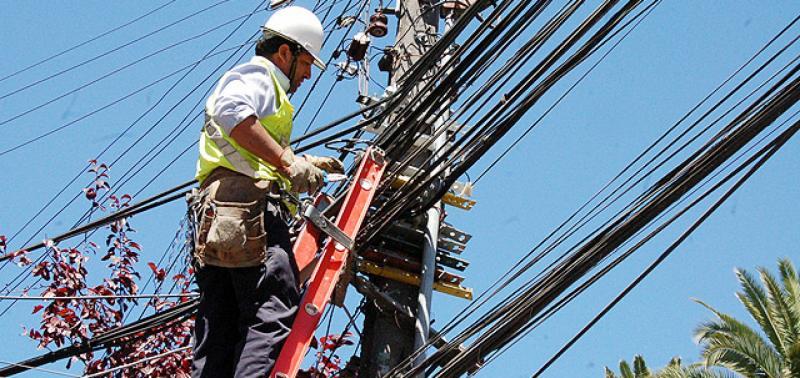 Eletrobras realiza operação de corte em bairros da zona sul