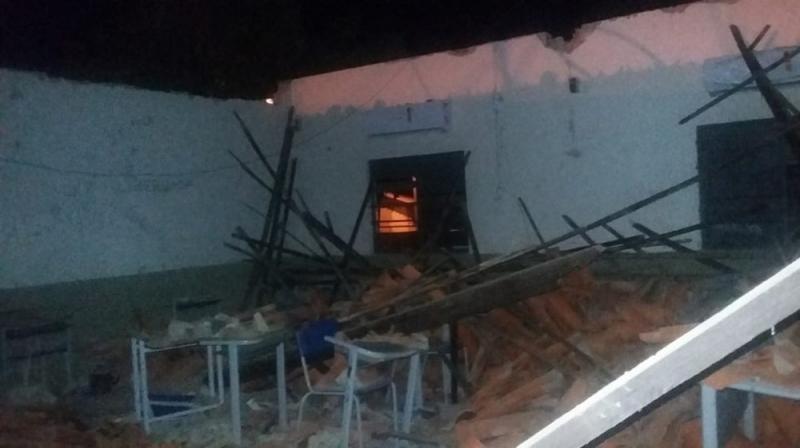 Teto de escola da rede estadual de ensino desaba no interior do Piaui