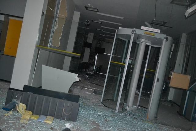 Quadrilha aterroriza cidade e explode bancos em Simplício Mendes