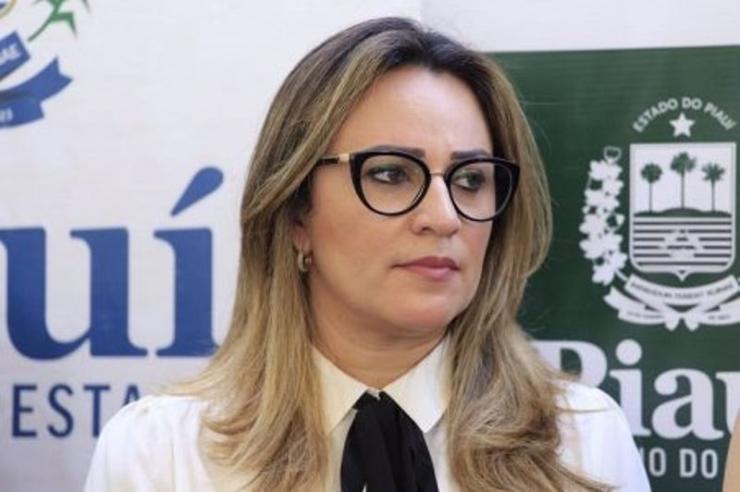 Deputados rejeitam pedido para que Rejane Dias fale sobre operação topic na Alepi