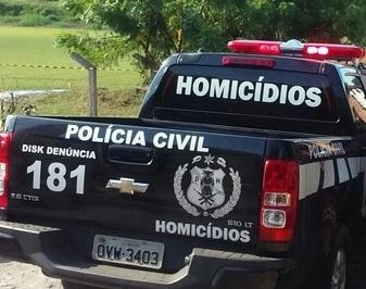 Idoso é encontrado morto após 'briga' em sorveteria na capital