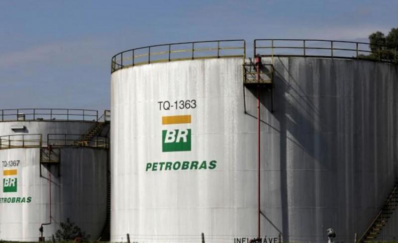Petrobrás anuncia nova redução do preço da gasolina nas refinarias