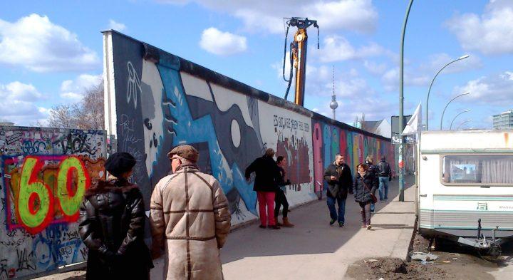 Respirando Arte e História: East Side Gallery em Berlim