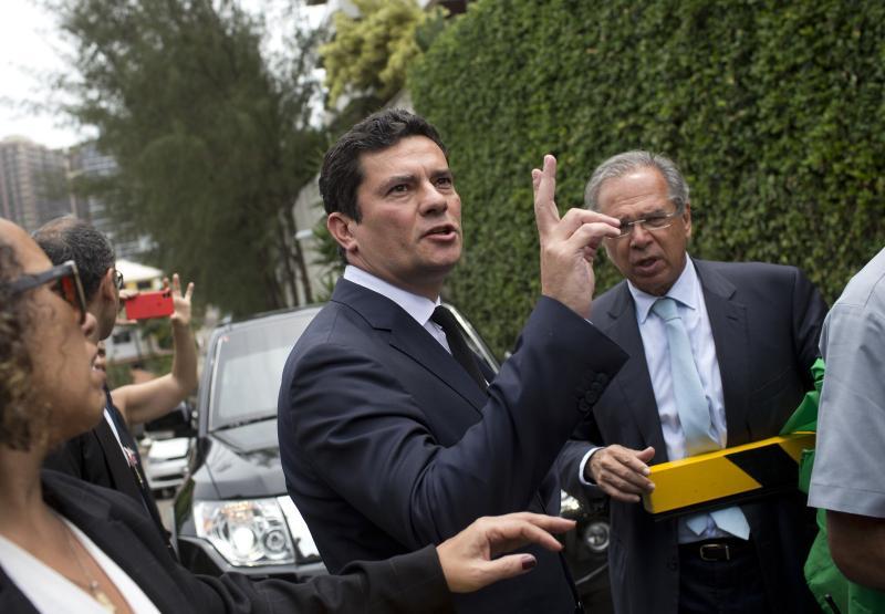 Moro aceita convite e ganha 'liberdade total' para comandar Ministério da Justiça e Segurança Pública