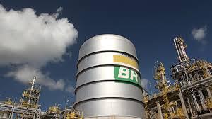 Petrobrás anuncia novo reajuste no preço da gasolina nas refinarias