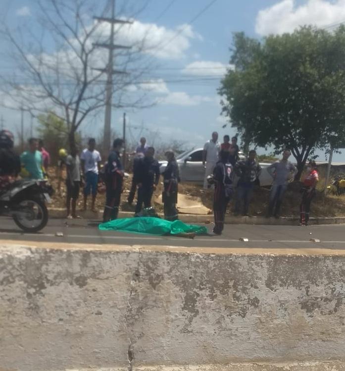 Motociclista morre ao colidir com carreta na BR-316 em Teresina