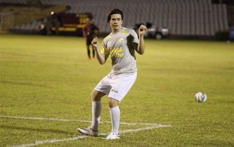 Whindersson Nunes critica situação de vergonha dos estádios de futebol do Piauí