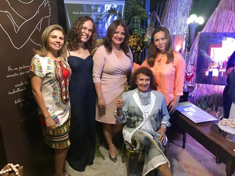 Dora Parentes comemora 50 anos dedicados às artes plásticas