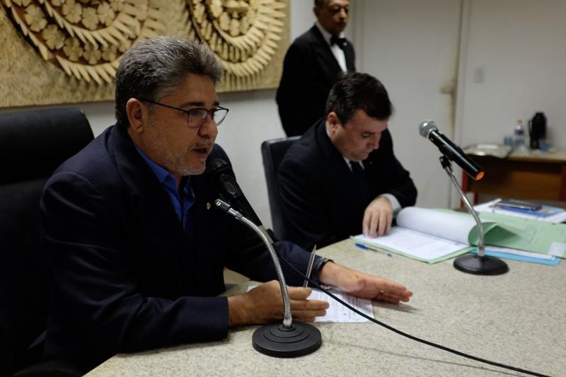 Deputados aprovam aumento para desembargadores e procuradores