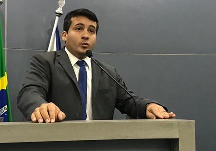 Vereador pede anulação da sessão que aprovou projeto de transporte por aplicativo em Teresina