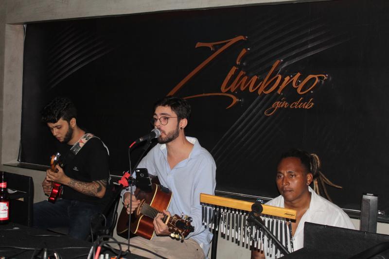 Restaurante Zimbro recebe prévia da Lùmiere